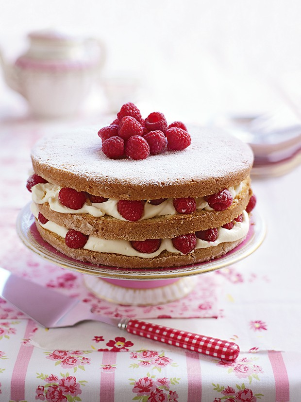 Raspberry sponge cake with vanilla cake recipes for Country living magazine recipes