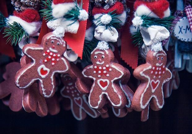 18 Diy Ways To Make Your Home Smell Like Christmas