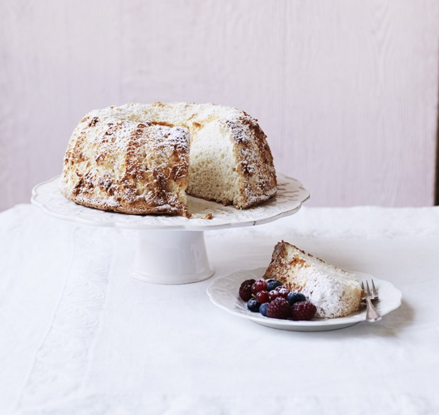 Angel food cake recipe country living magazine uk for Country living magazine recipes