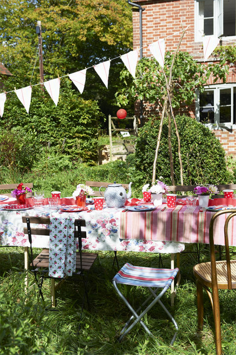 How To Dress A Table Country Living Magazine Uk