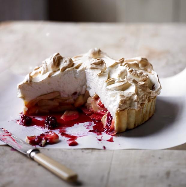 Apple meringue tart apple recipes for Country living magazine uk recipes