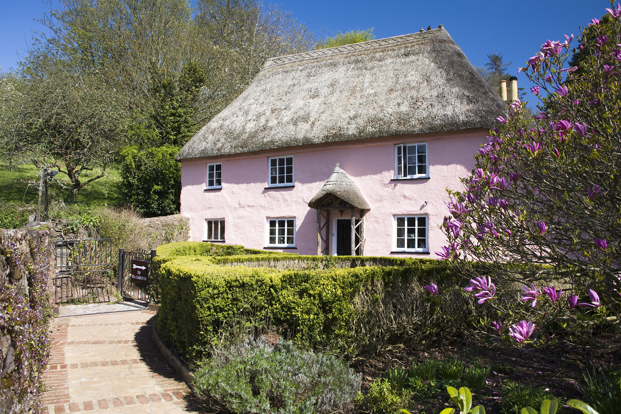 14 Thatched Cottages You Ll Want To Move Into Immediately