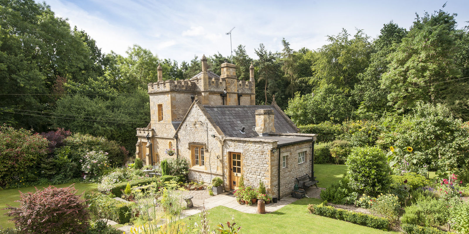 Elegant The Smallest Castle In The UK Is Up For Sale And.