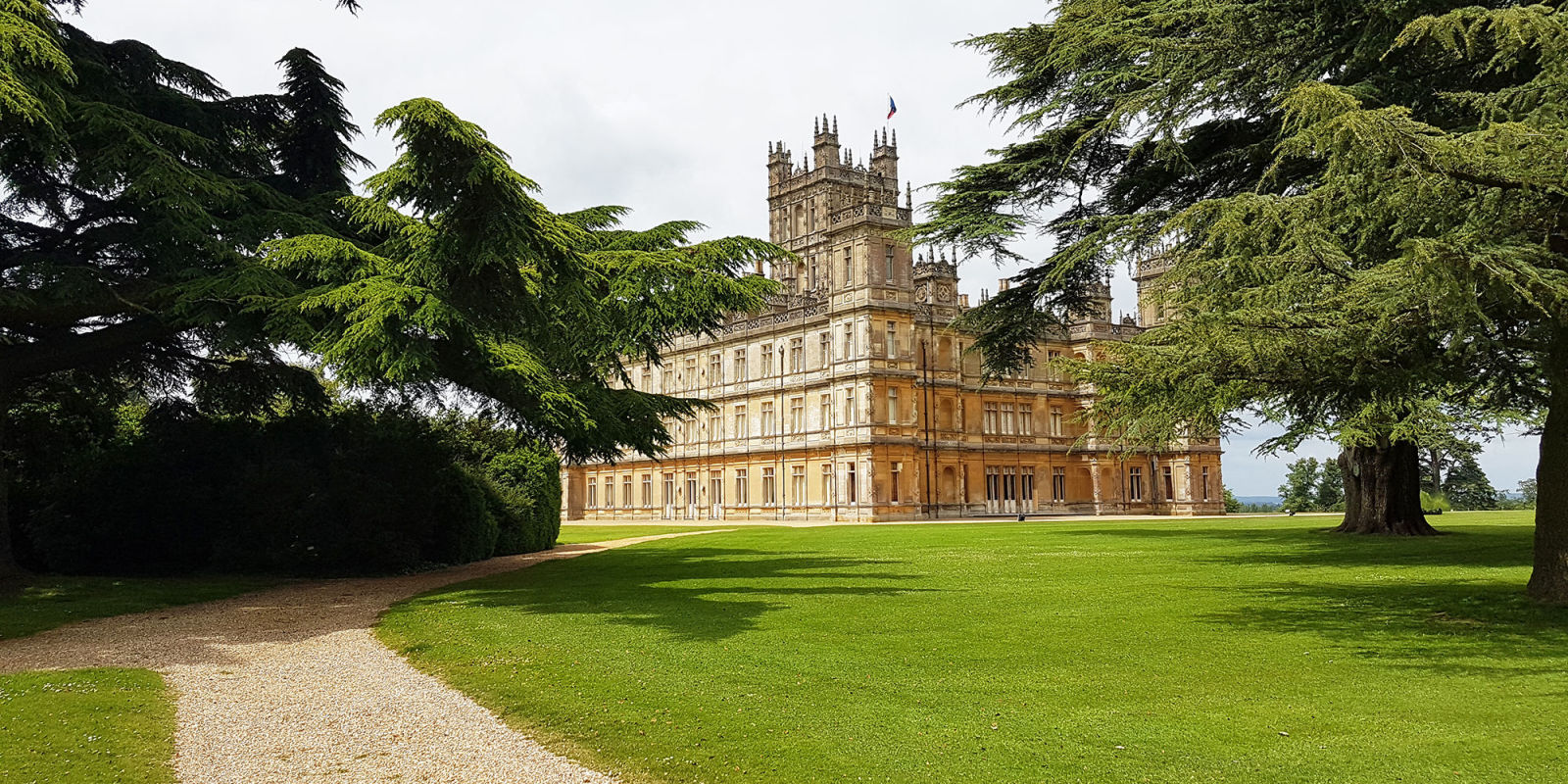 will the downton be filmed at highclere castle