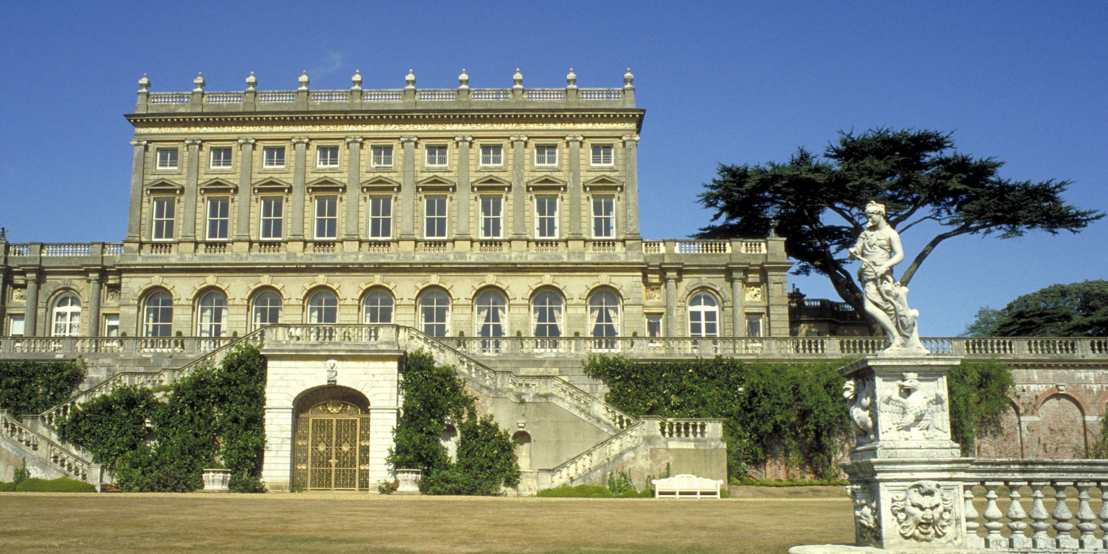 Country Homes And Interiors Recipes Cliveden House Has Been Voted As The Uk S Best Hotel