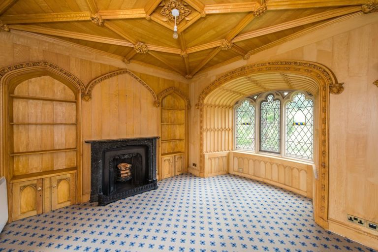 scottish homes and interiors. Craigcrook Castle  Edinburgh reception room Ballantynes where Charles Dickens Alfred Lord Tennyson and